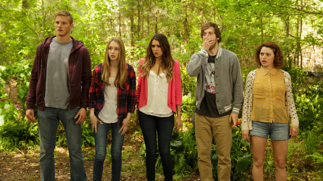 Transported inside an 80s slasher film - (l to r) Alexander Ludwig, Taissa Farmiga, Nina Dobrev, Thomas Middleditch and Alia Shawkat in The Final Girls (2015)