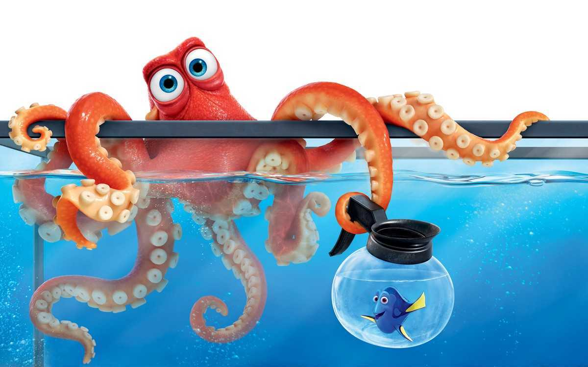 Hank the septopus (voiced by Ed O'Neill) with Dory (voice by Ellen DeGeneres) in Finding Dory (2016)