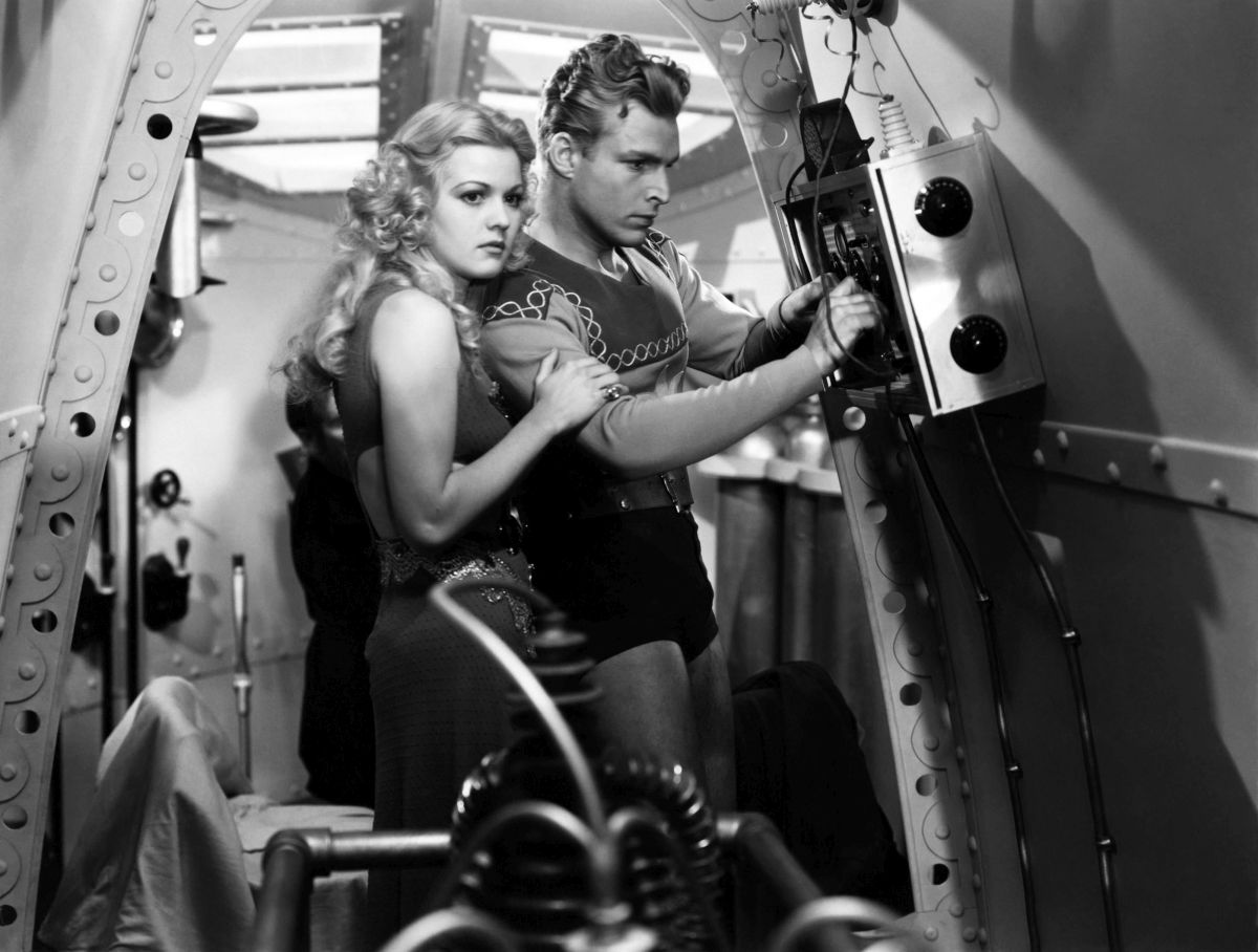 Flash Gordon (Larry 'Buster' Crabbe) and Dale Arden (Jean Rogers) in Flash Gordon (1936)
