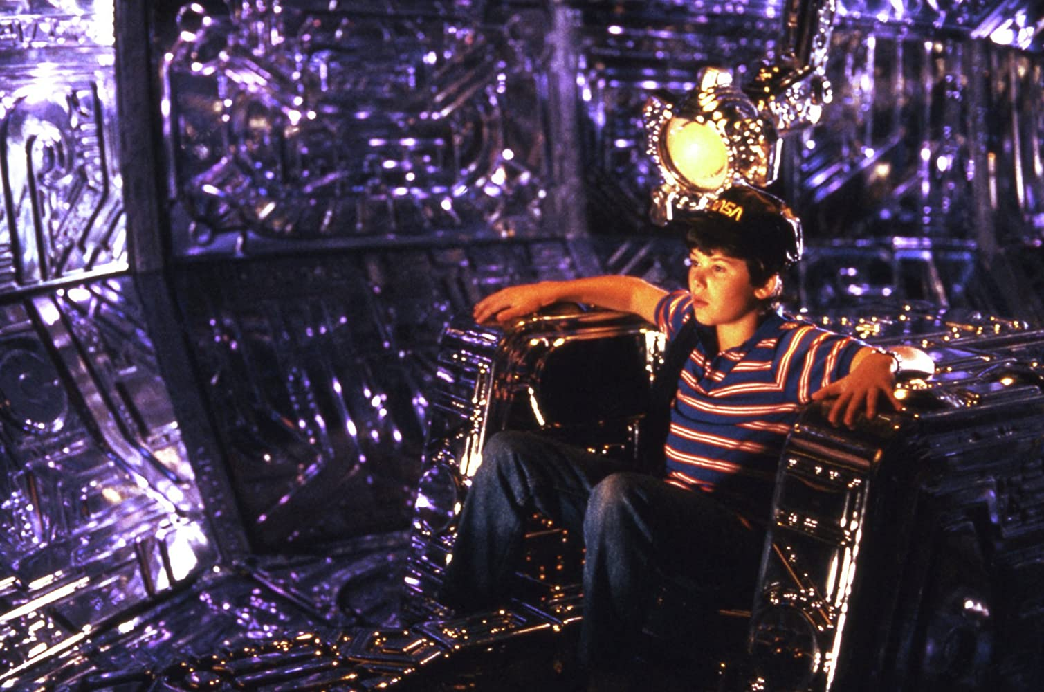 Joey Cramer in the spaceship in Flight of the Navigator (1986)