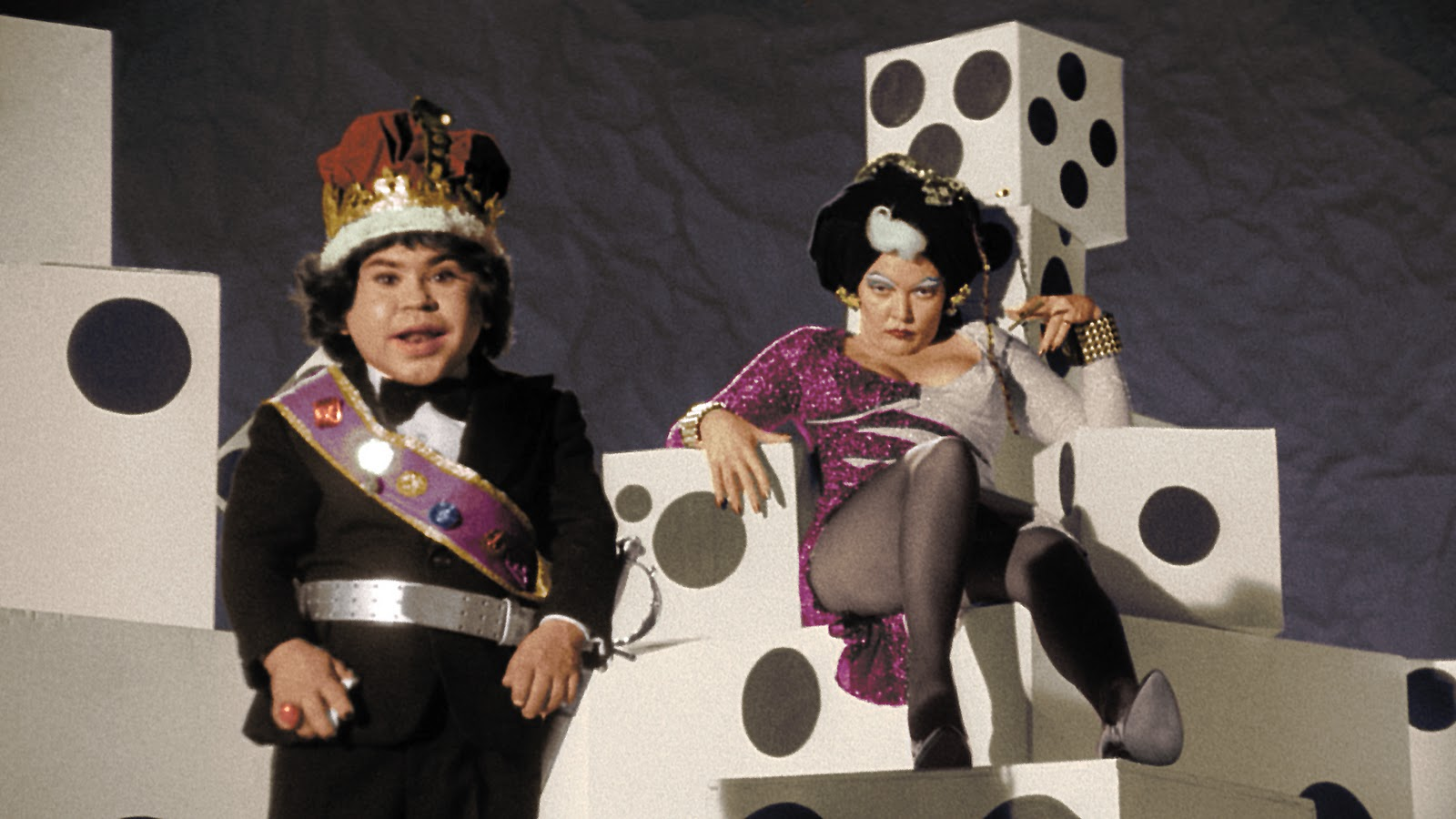 King Fausto (Herve Villechaize) and Queen Doris (Susan Tyrrell) in Forbidden Zone (1982)
