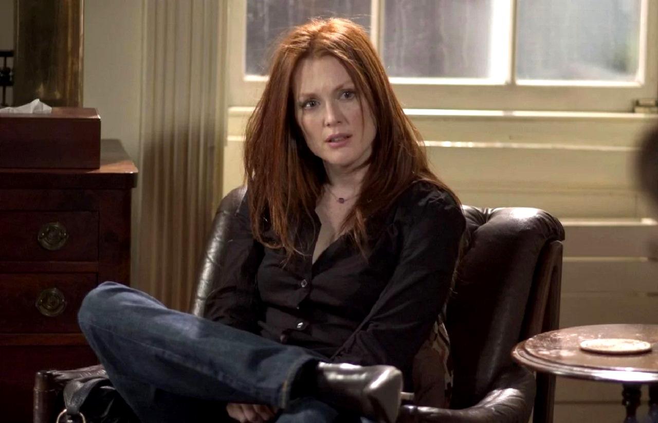 Julianne Moore in The Forgotten (2004)