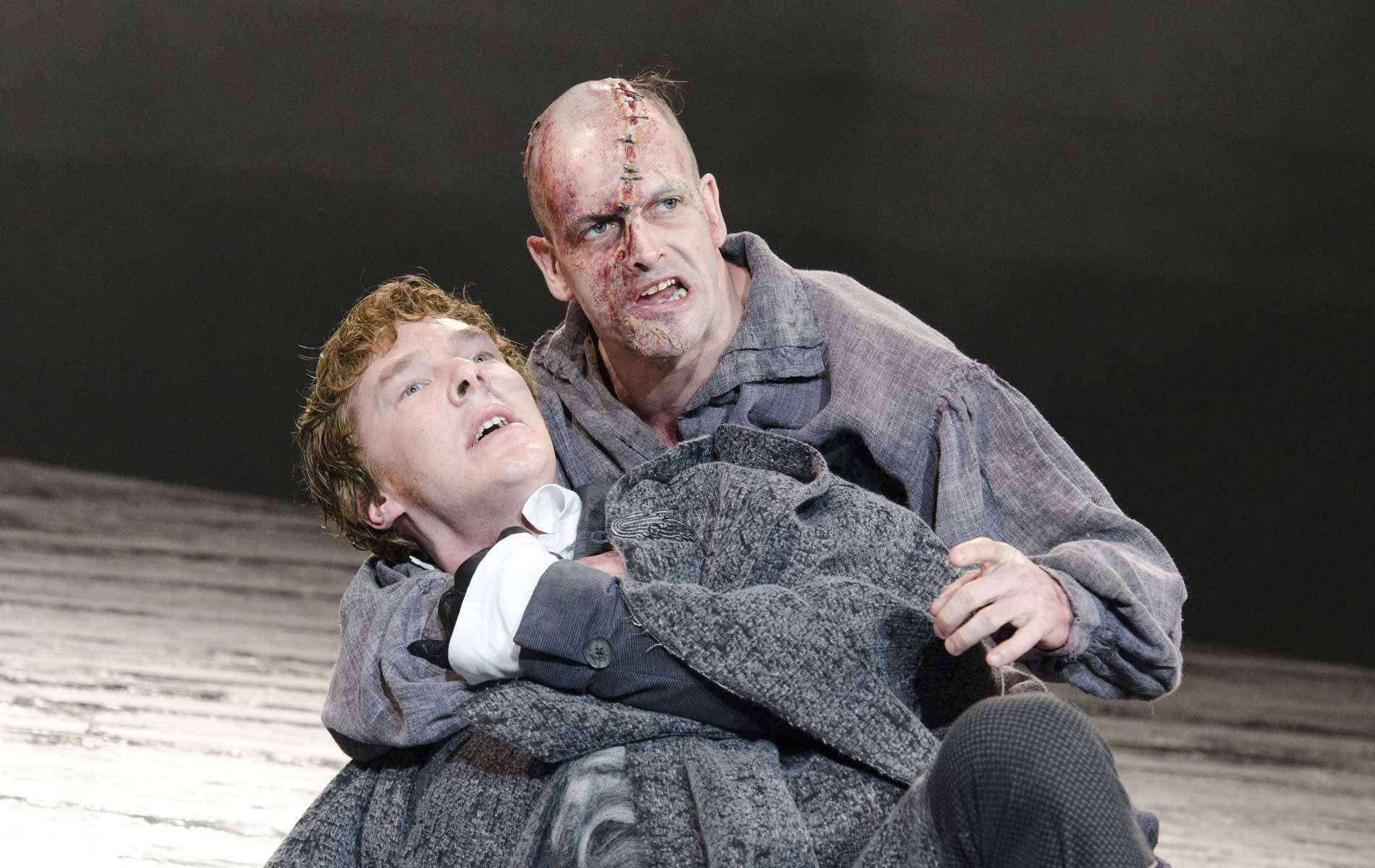 (l to r) Benedict Cumberbatch as Frankenstein and Jonny Lee Miller as The Creature in Frankenstein (2011)