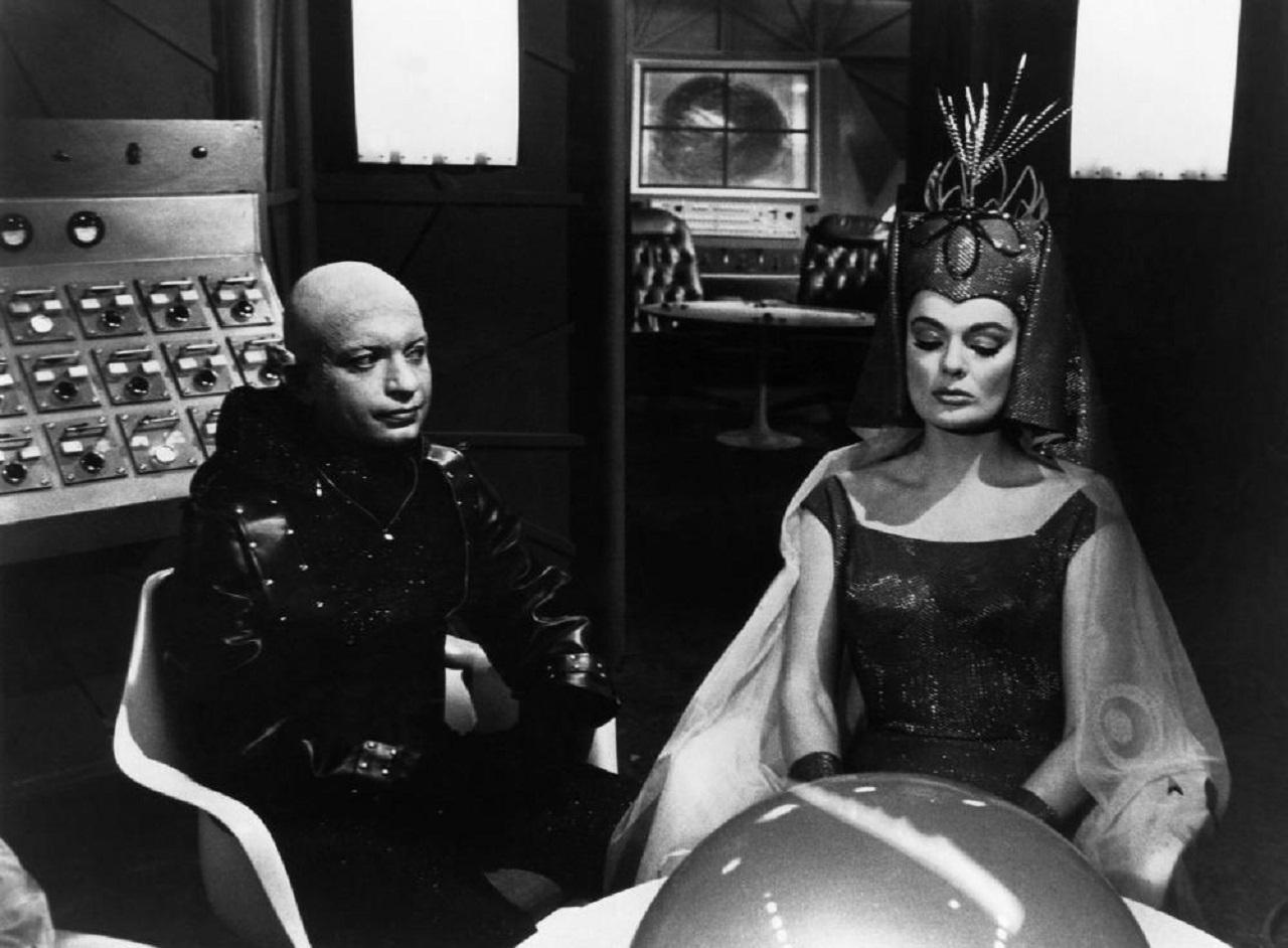 Alien invaders Nadir (Lou Cutell) and Princess Macuzan (Marilyn Hanold) in in Frankenstein Meets the Spacemonster (1965)
