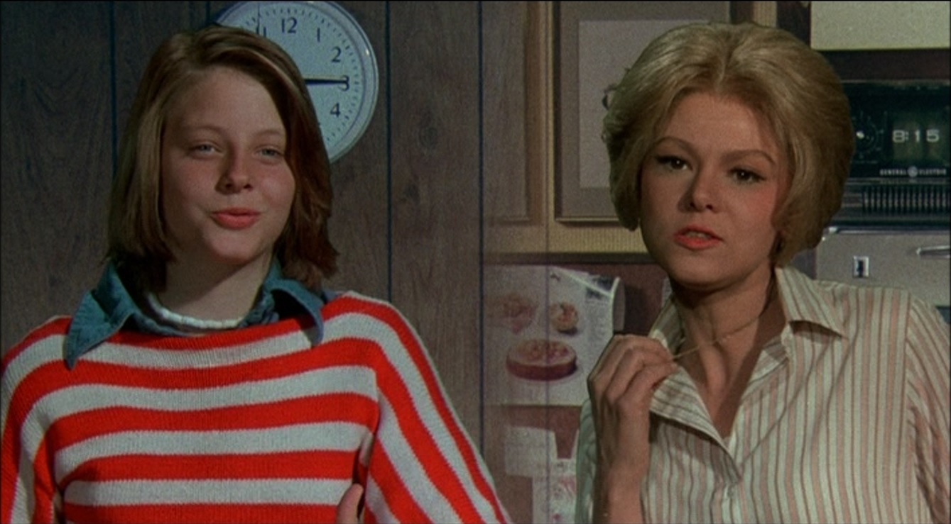 (l to r) Daughter Jodie Foster and mother Barbara Harris swap bodies in Freaky Friday (1976)