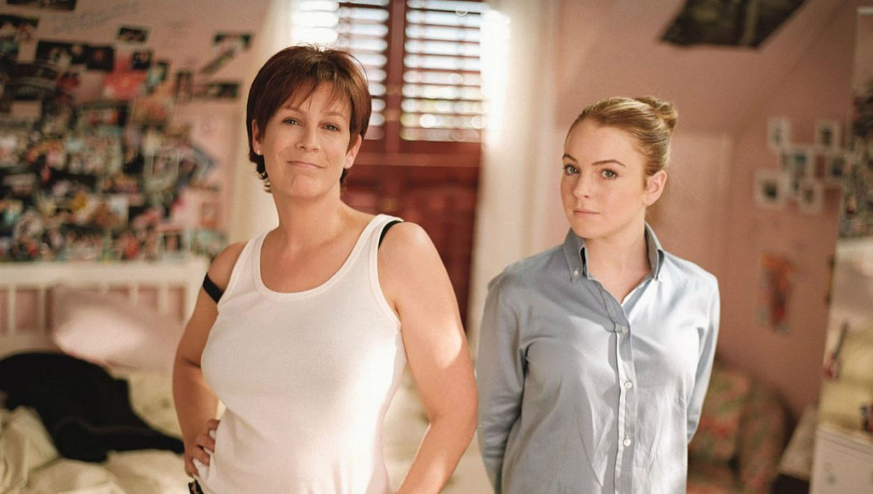 Bodyswapped mother and daughter Jamie Lee Curtis and Lindsay Lohan in Freaky Friday (2003)