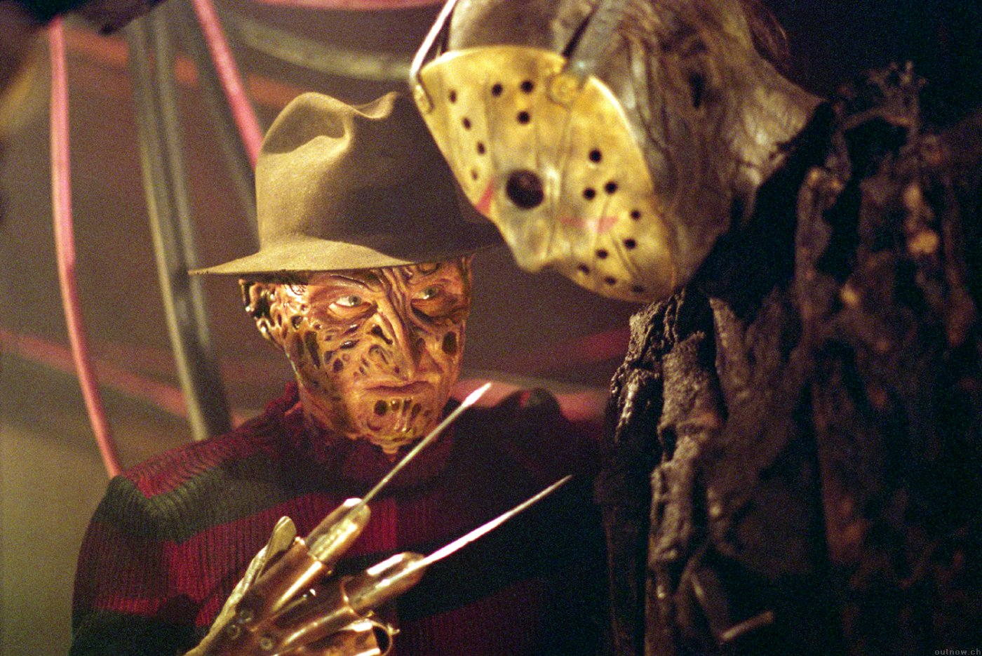 Freddy (Robert Englund) and Jason (Ken Kirzinger) in Freddy vs. Jason (2003)