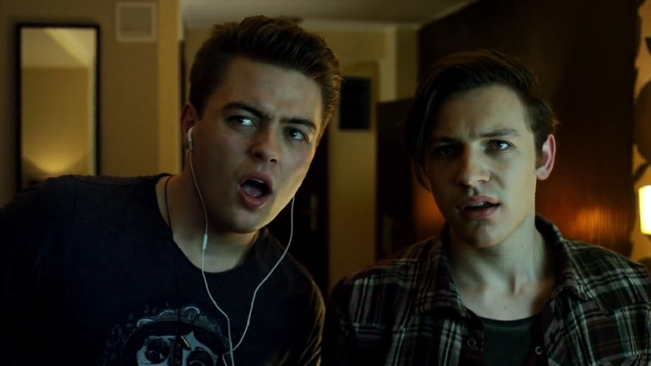 (l to r) Evil Ed (Chris Waller) and Charley Brewster (Will Payne) in Fright Night 2 (2013)