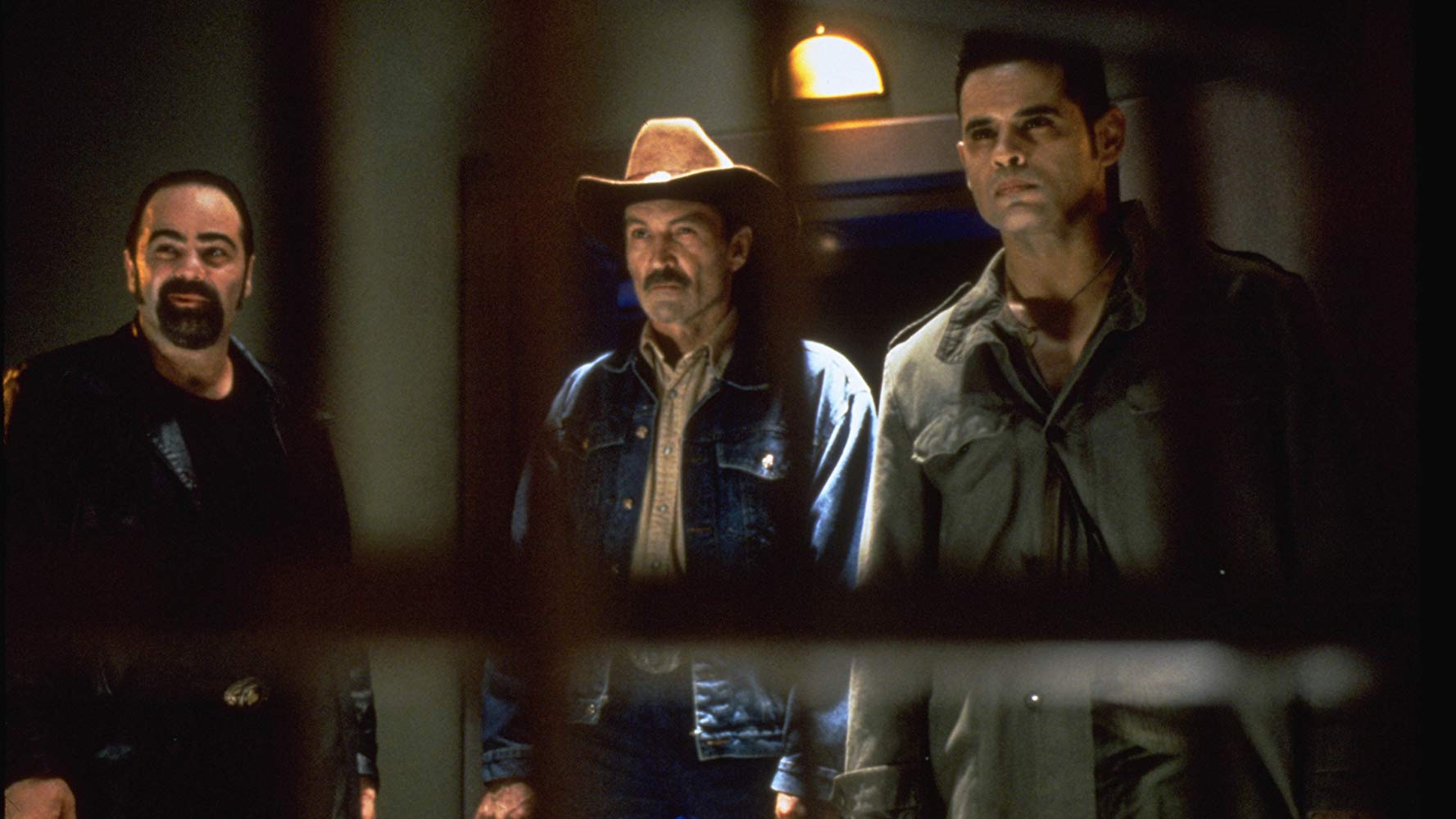 Bank robbers (l to r) Duane Whitaker, Muse Watson and Raymond Cruz in From Dusk Till Dawn 2: Texas Blood Money (1999)