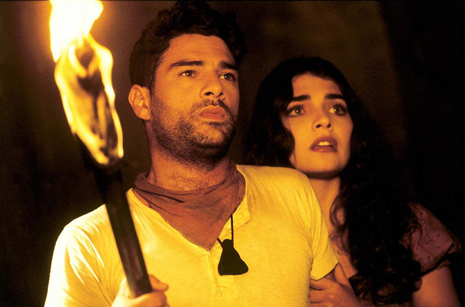 Outlaw Johnny Madrid (Marco Leonardi) and Esmeralda (Ara Celi), the hangman's daughter in From Dusk Till Dawn 3: The Hangman's Daughter (2000)