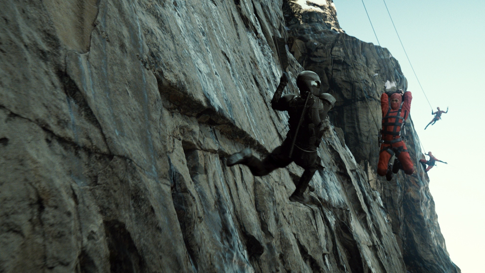 Afight with ninja on the side of a Himalayan mountain in G.I. Joe: Retaliation (2013)