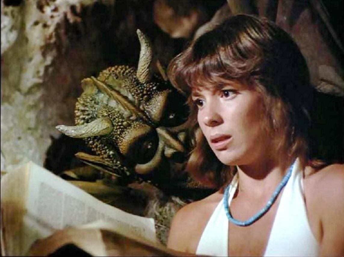 Jennifer Salt in Gargoyles (1972)