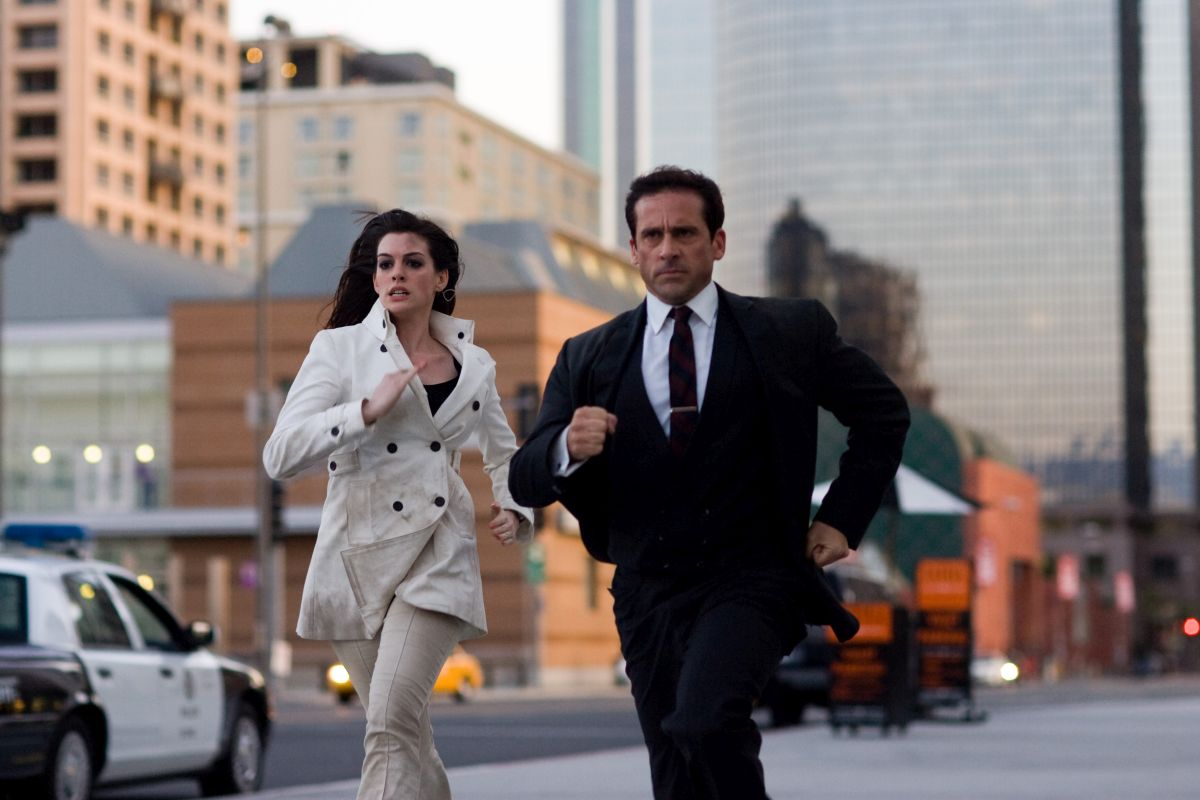 Agent 99 (Anne Hathaway) and Maxwell Smart (Steve Carell) in Get Smart (2008)