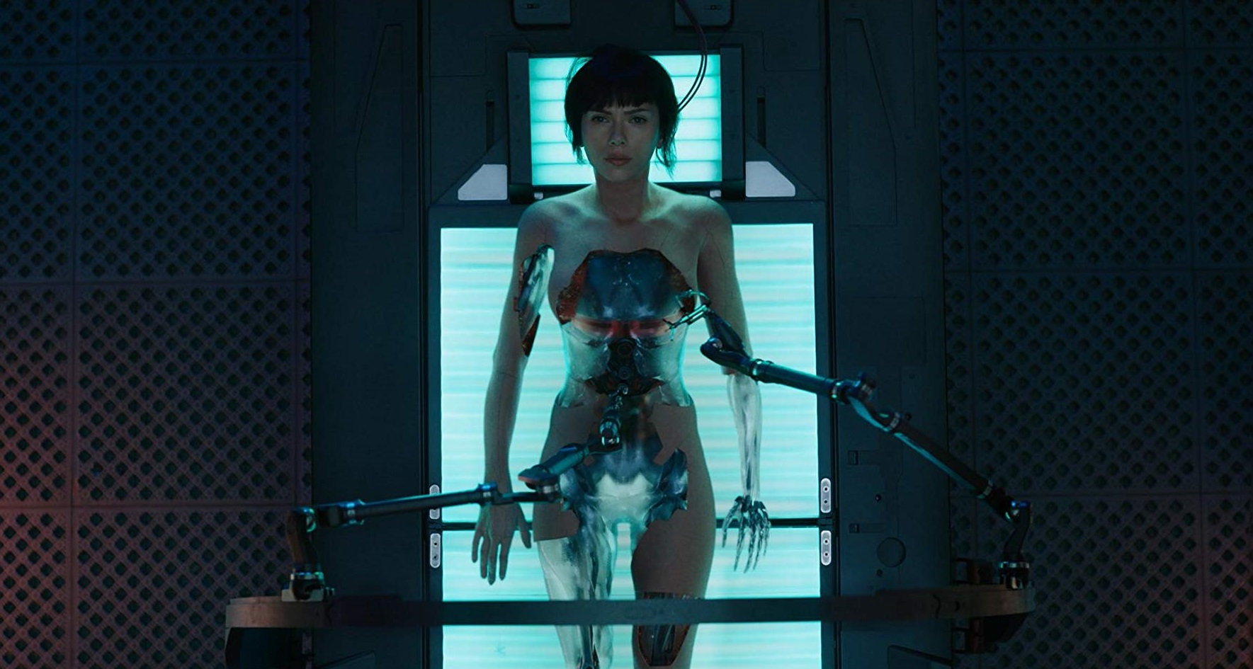 A cyborg Scarlett Johansson from Ghost in the Shell (2017)