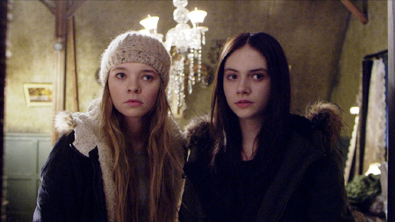 Sisters Vera (Taylor Hickson) and Beth (Emilia Jones) in Ghostland (2018)