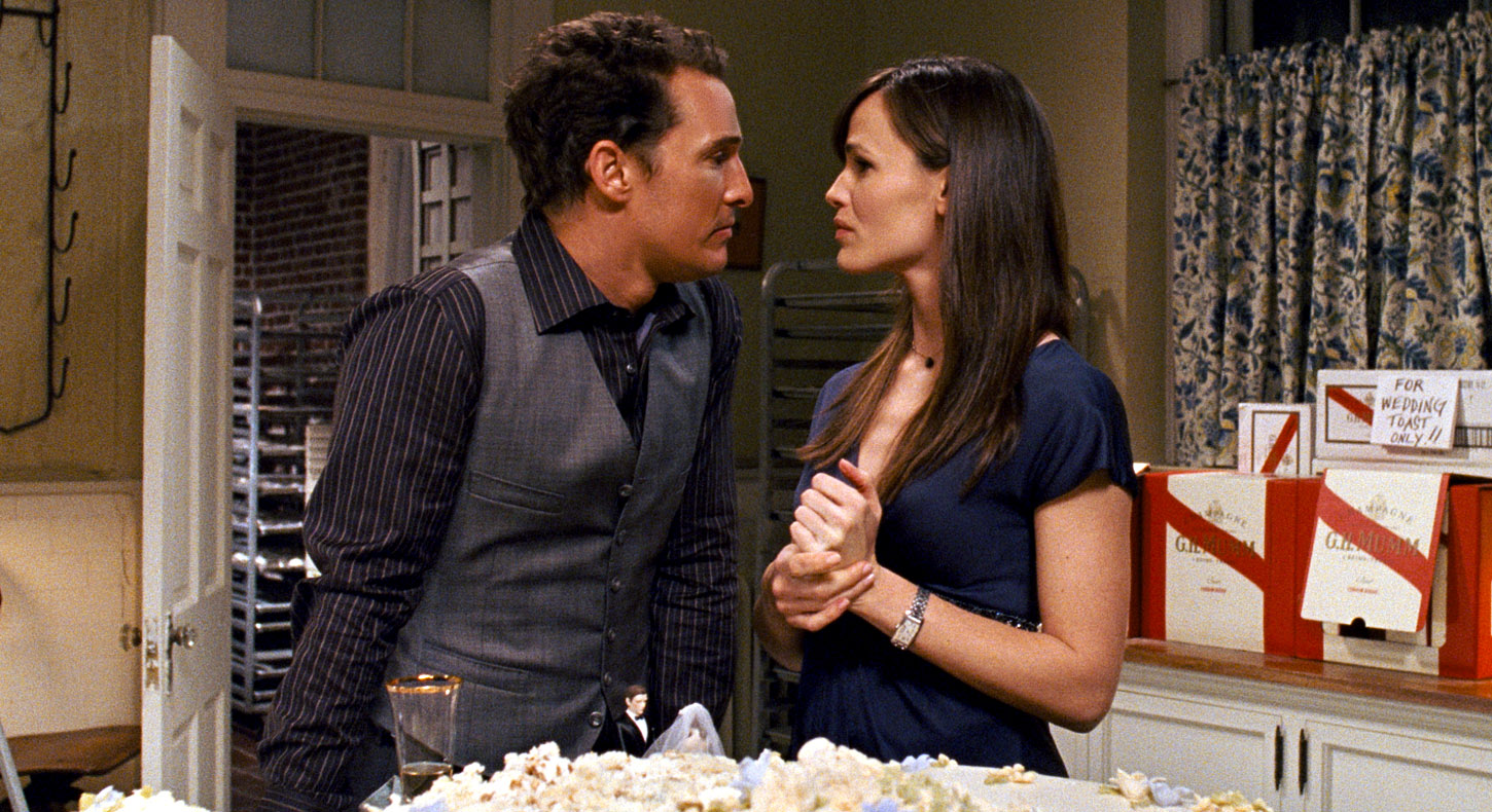 Matthew McConaughey and Jennifer Garner discover attraction to one another in Ghosts of Girlfriends Past (2009)