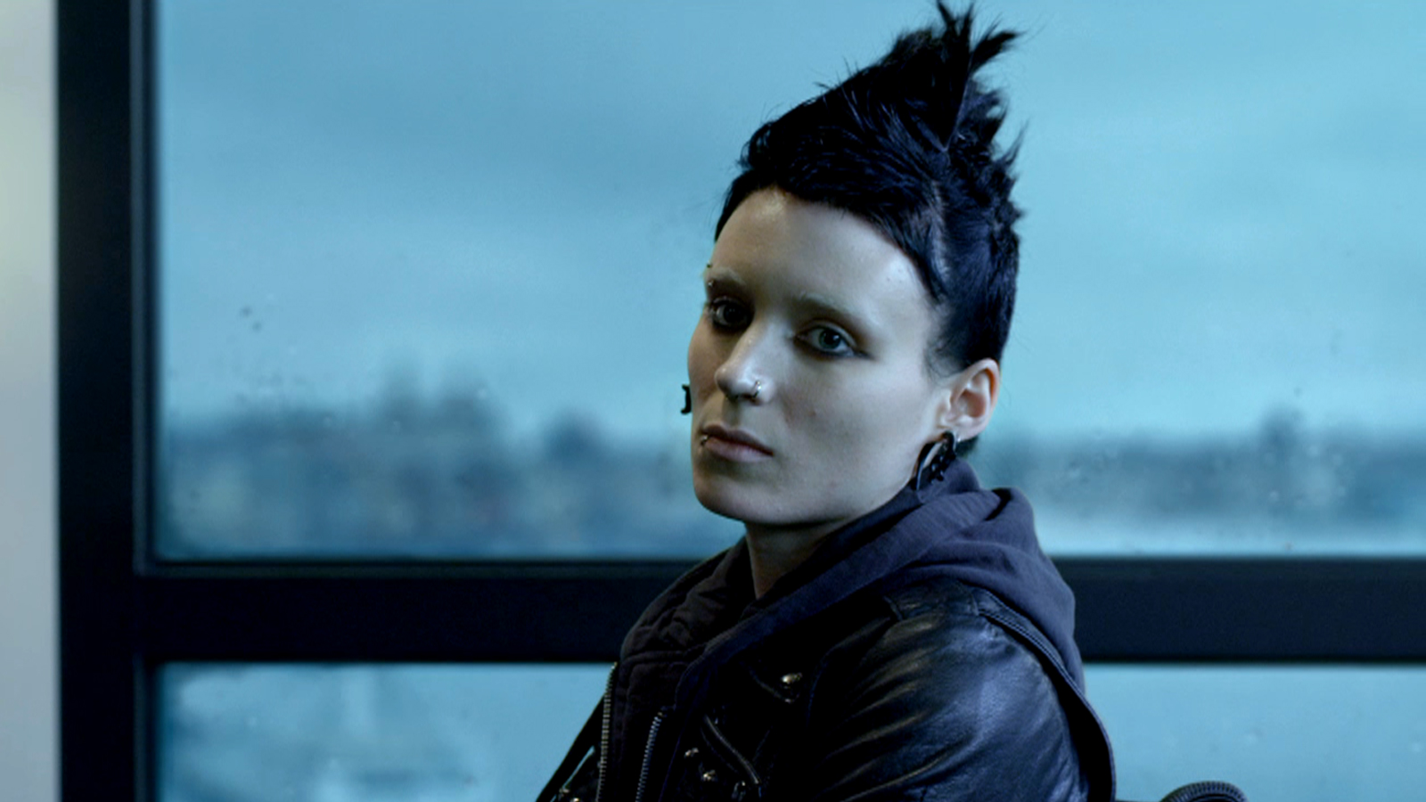 Rooney Mara stepping into Noomi Rapace's shoes as Lisbeth Salander in The Girl with the Dragon Tattoo (2011)