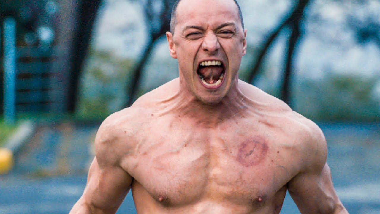 A rampaging Kevin Crumb as The Beast (James McAvoy) in Glass (2019)