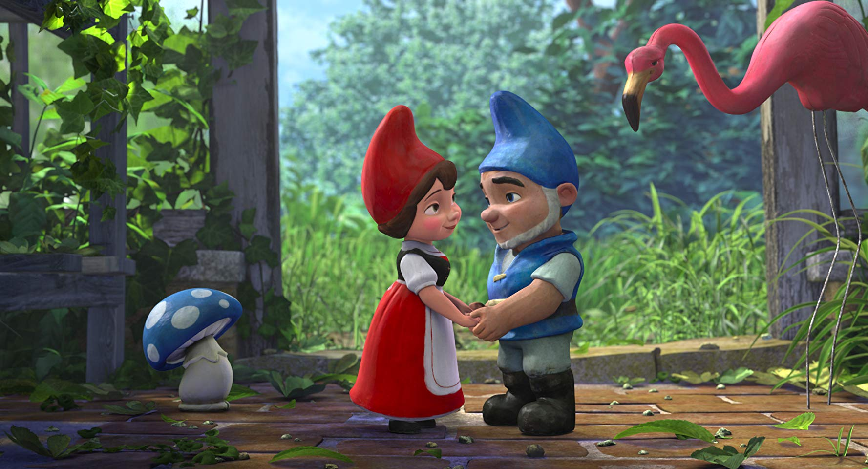 Romeo and Juliet retold with talking garden gnomes - Gnomeo (voiced by James McAvoy) and Juliet (voiced by Emily Blunt) in Gnomeo & Juliet (2011)