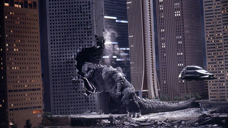 The Super-X fighter tries to stop Godzilla's rampage through Tokyo in Godzilla 1985 (1984)