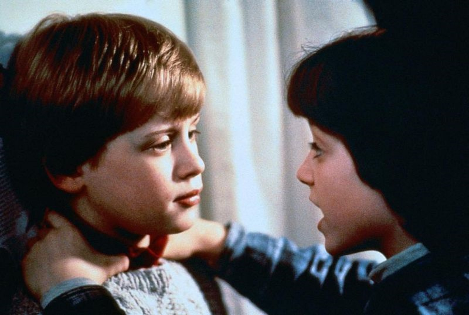 Elijah Wood tries to strangle Macaulay Culkin in The Good Son (1993)