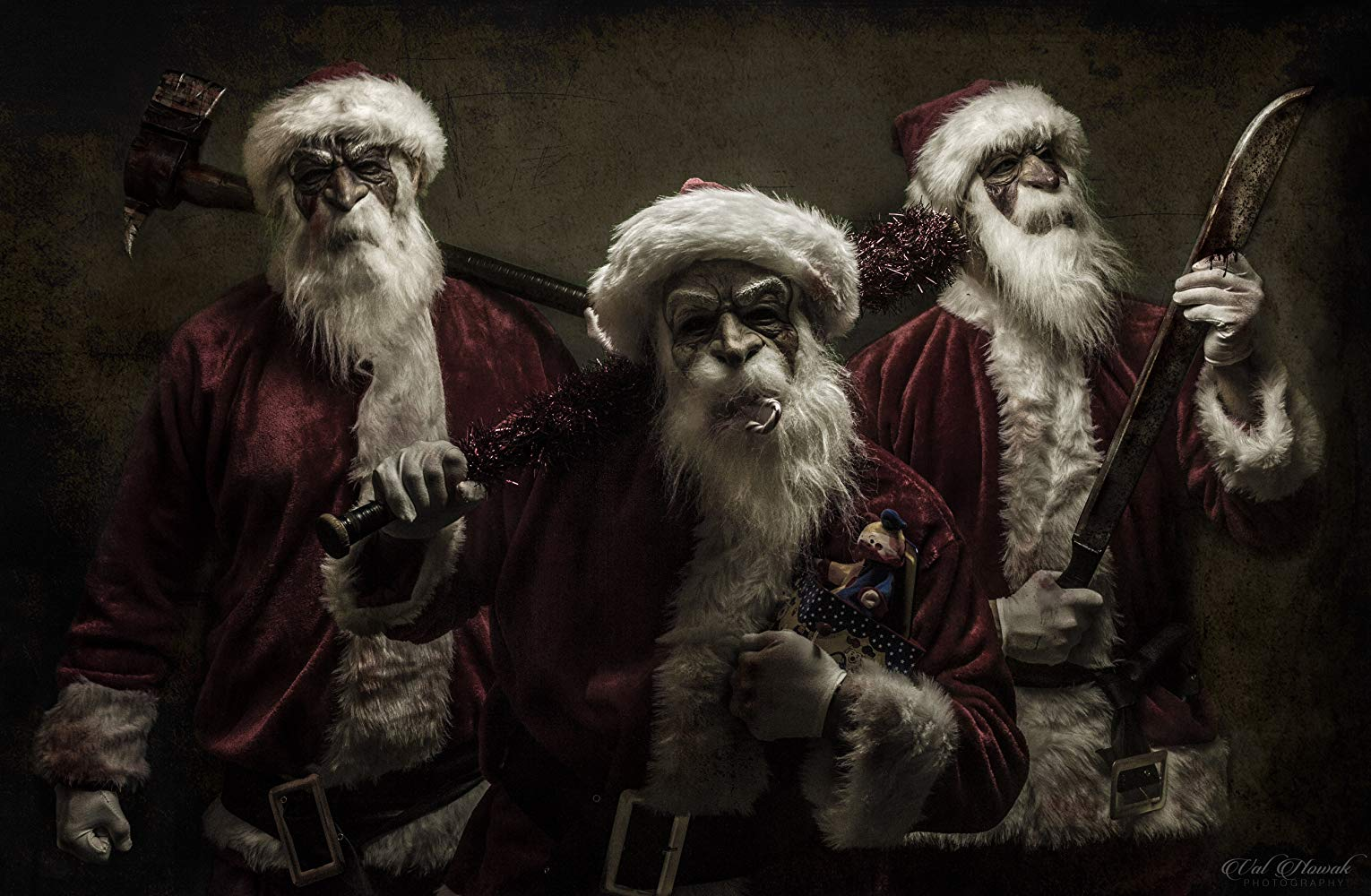 Three psycho Santas in Good Tidings (2016)
