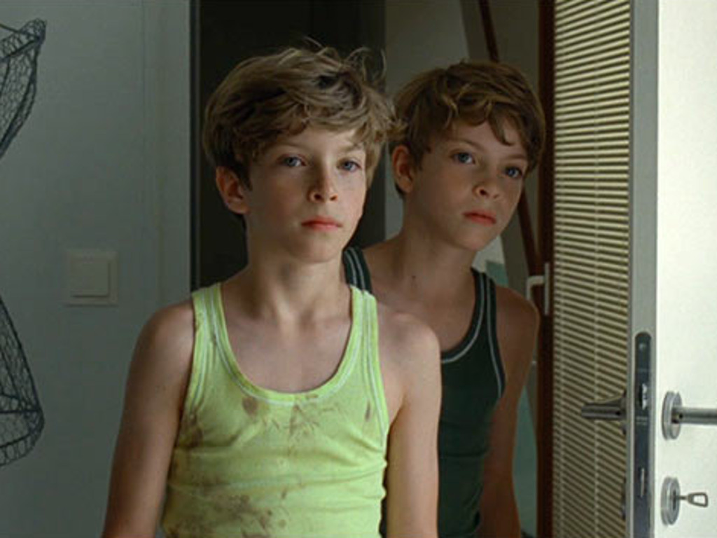Brothers Lukas and Elias (played by twin brothers Lukas and Elias Schwartz) in Goodnight Mommy (2014)