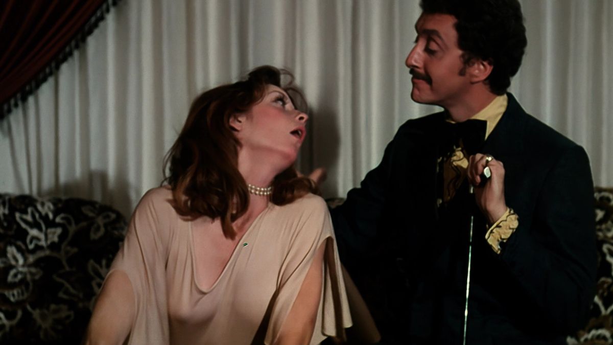 Dandified hero Frank Kress with Amy Farrell in The Gore Gore Girls (1972)