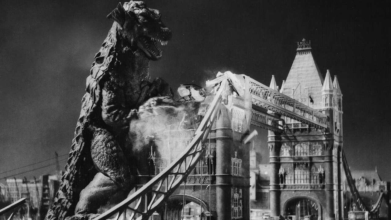 The Gorgo attacks the Tower Bridge in Gorgo (1961)