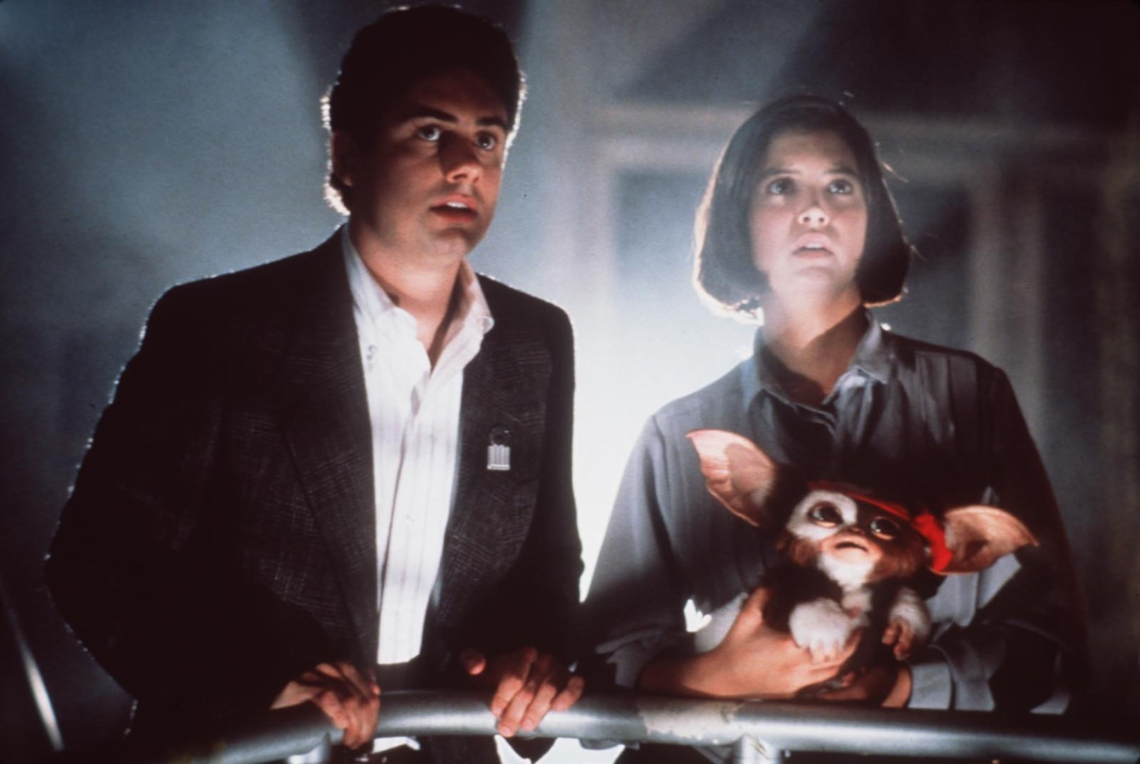 Zach Galligan, Phoebe Cates and Gizmo back for more in Gremlins 2: The New Batch (1990)