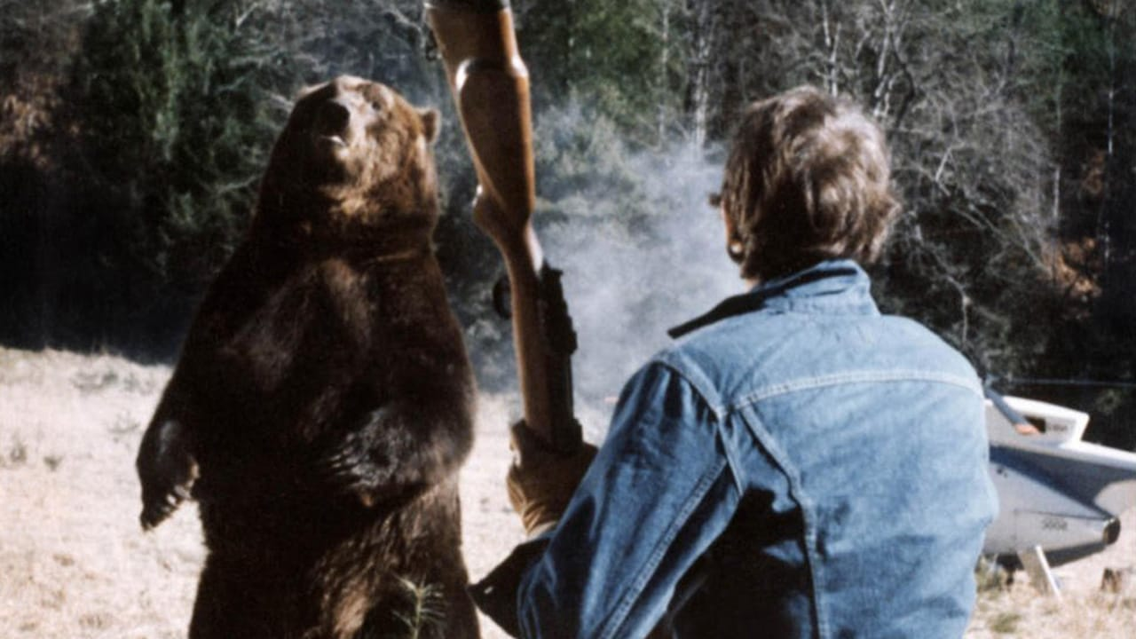 Andrew Prine faces the grizzly bear in Grizzly (1976)