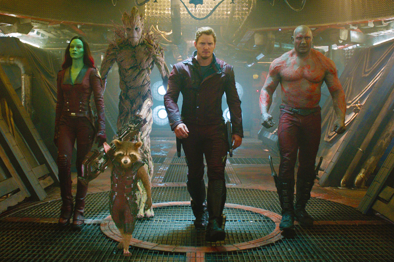 Gamora (Zoe Saldana), Groot, Rocket Racoon, Peter Quill (Chris Pratt) and Drax (Dave Bautista) in Gardians of the Galaxy (2014)