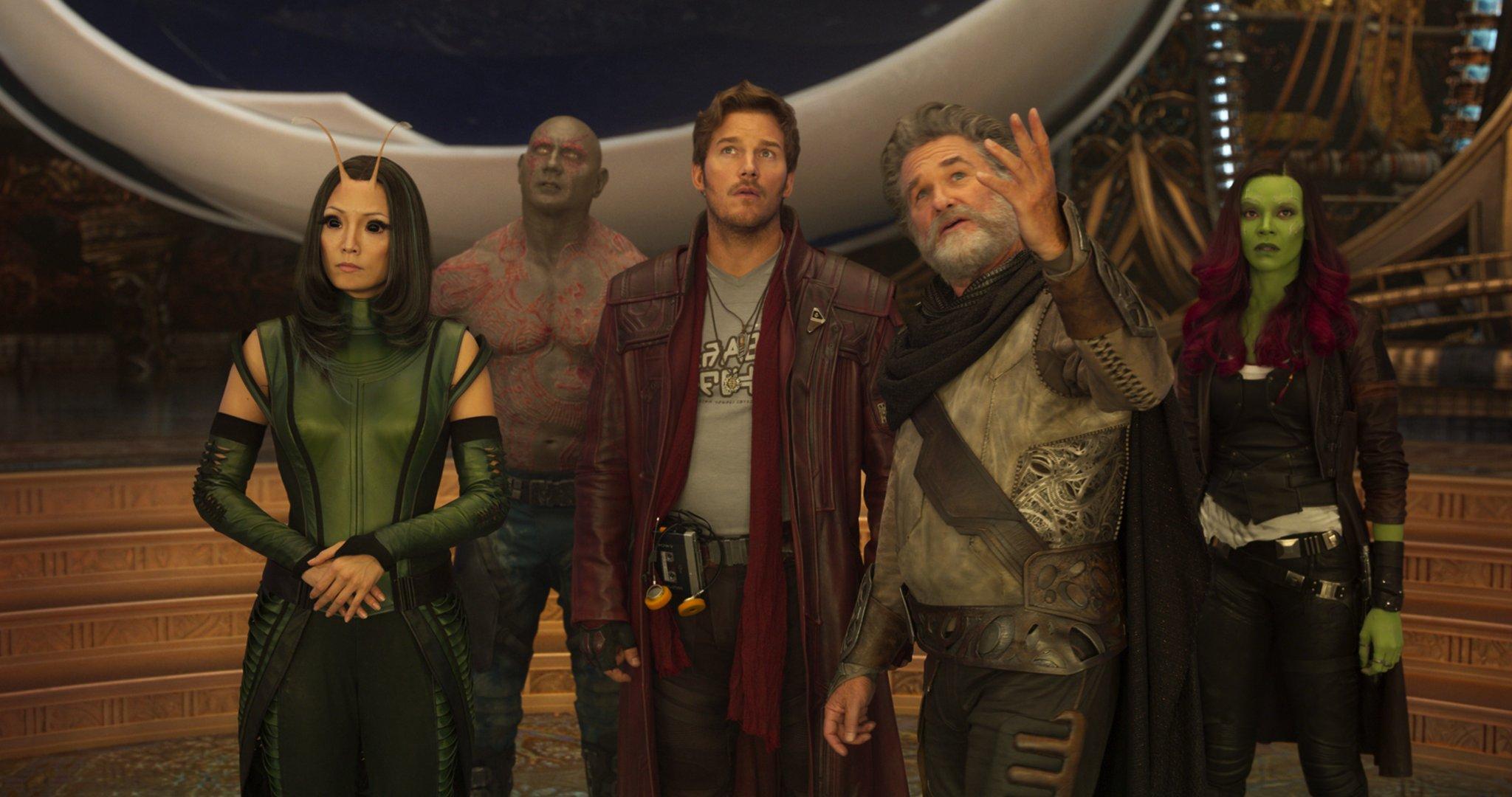 Mantis (Pom Klementieff), Drax (Dave Bautista), Ego (Kurt Russell), Peter Quill (Chris Pratt) and Gamora (Zoe Saldana) in Guardians of the Galaxy Vol 2 (2017)