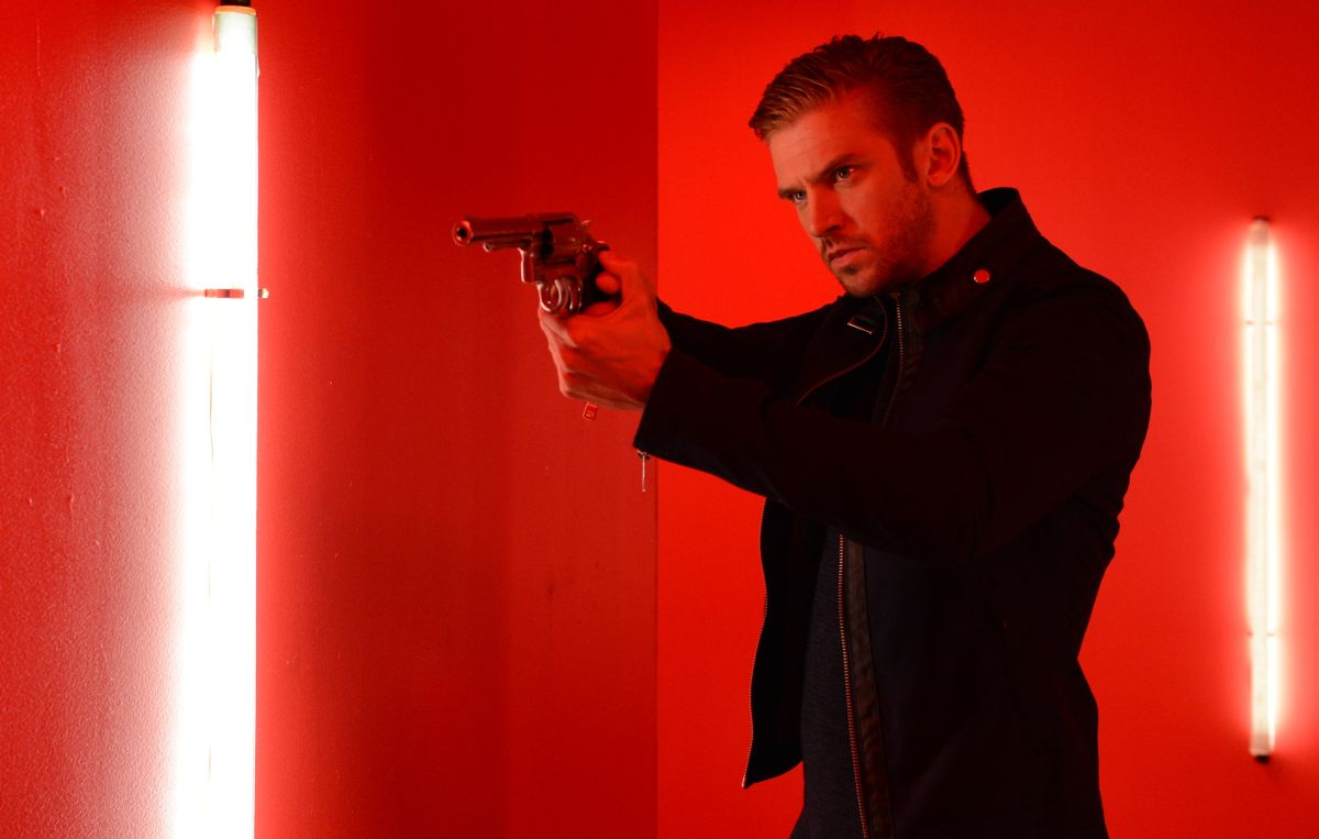 Dan Stevens as sinister stranger David Collins in The Guest (2014)