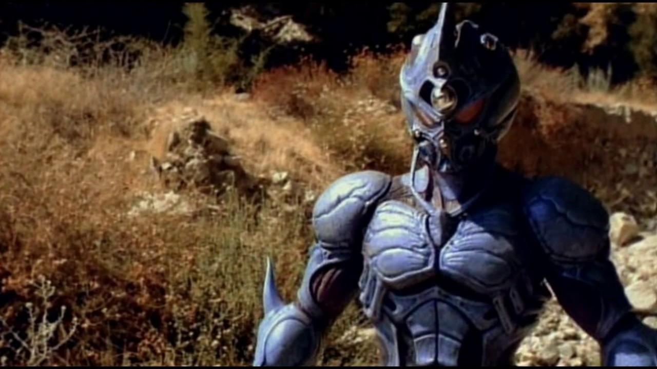Sean Baker (David Hayter) in power suit as Guyver: Dark Hero (1994)