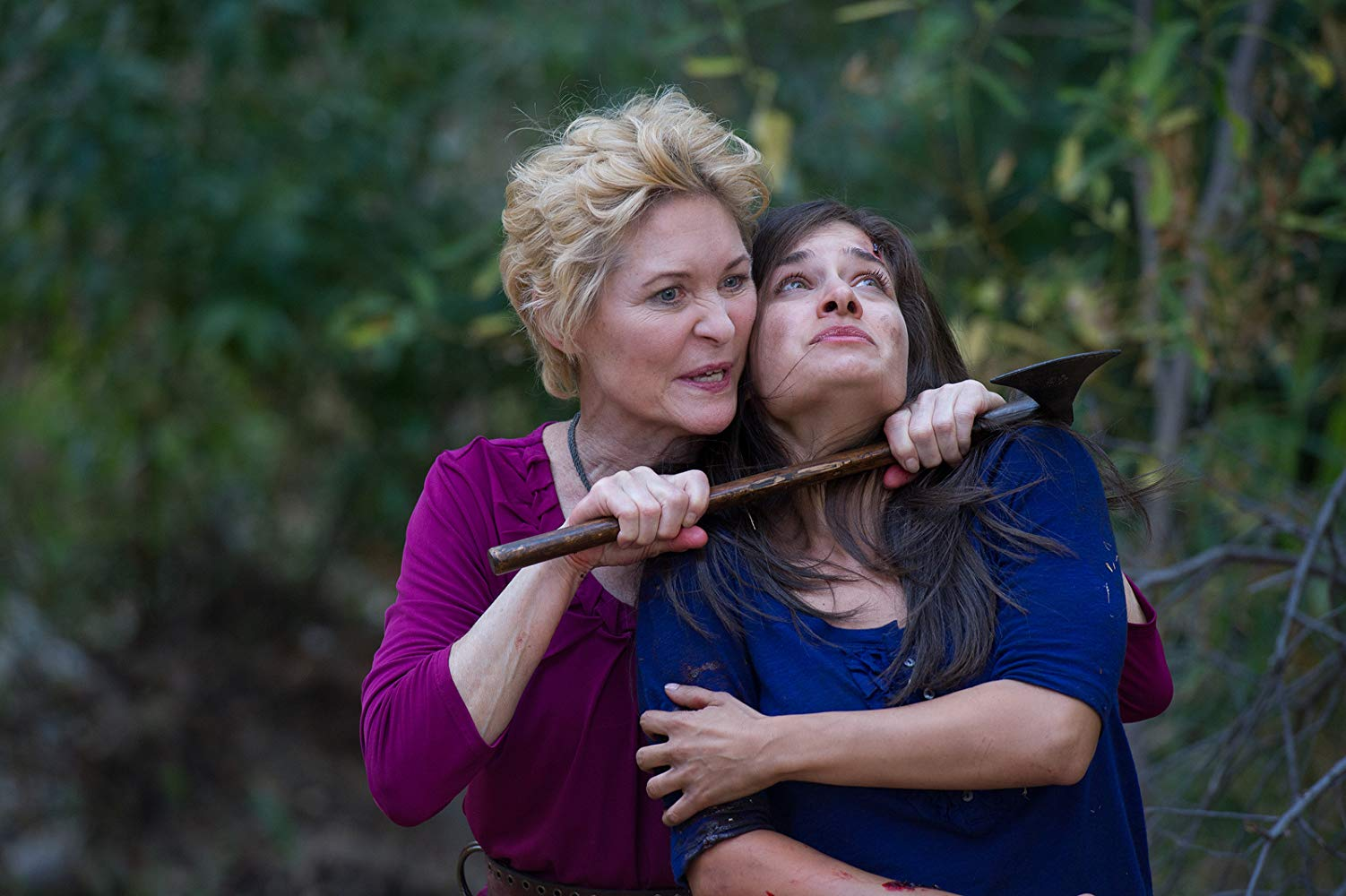 Lilith (Dee Wallace) threatens Gretel (Stephanie Greco) in Hansel and Gretel (2013)