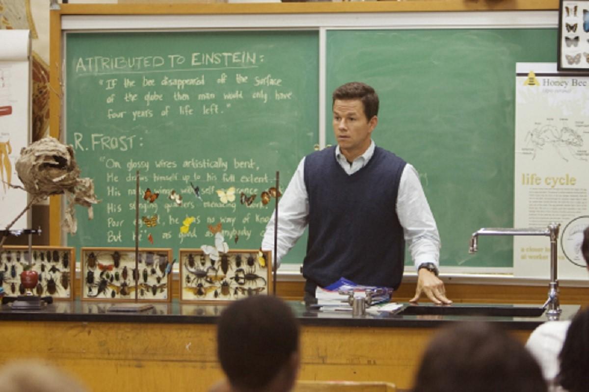 Mark Wahlberg as science teacher Elliot Moore in The Happening (2008)