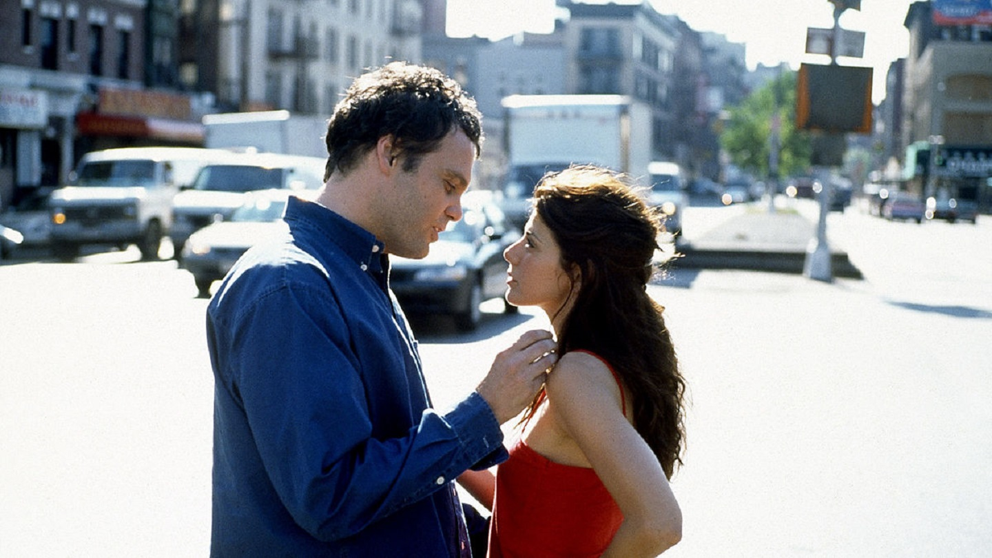 Marisa Tomei and Vincent D'Onofrio in Happy Accidents (2000)