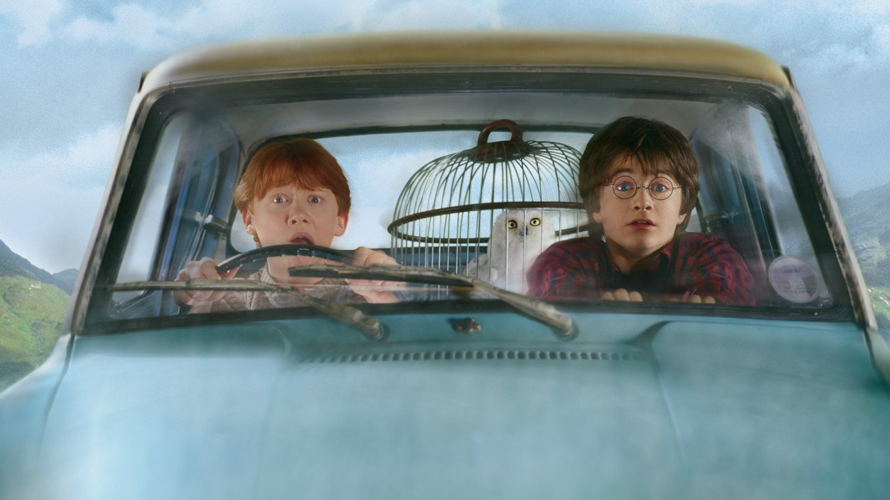Ron Weasley (Rupert Grint) and Harry Potter (Daniel Radcliffe) in the flying Anglia in Harry Potter and the Chamber of Secrets (2002)