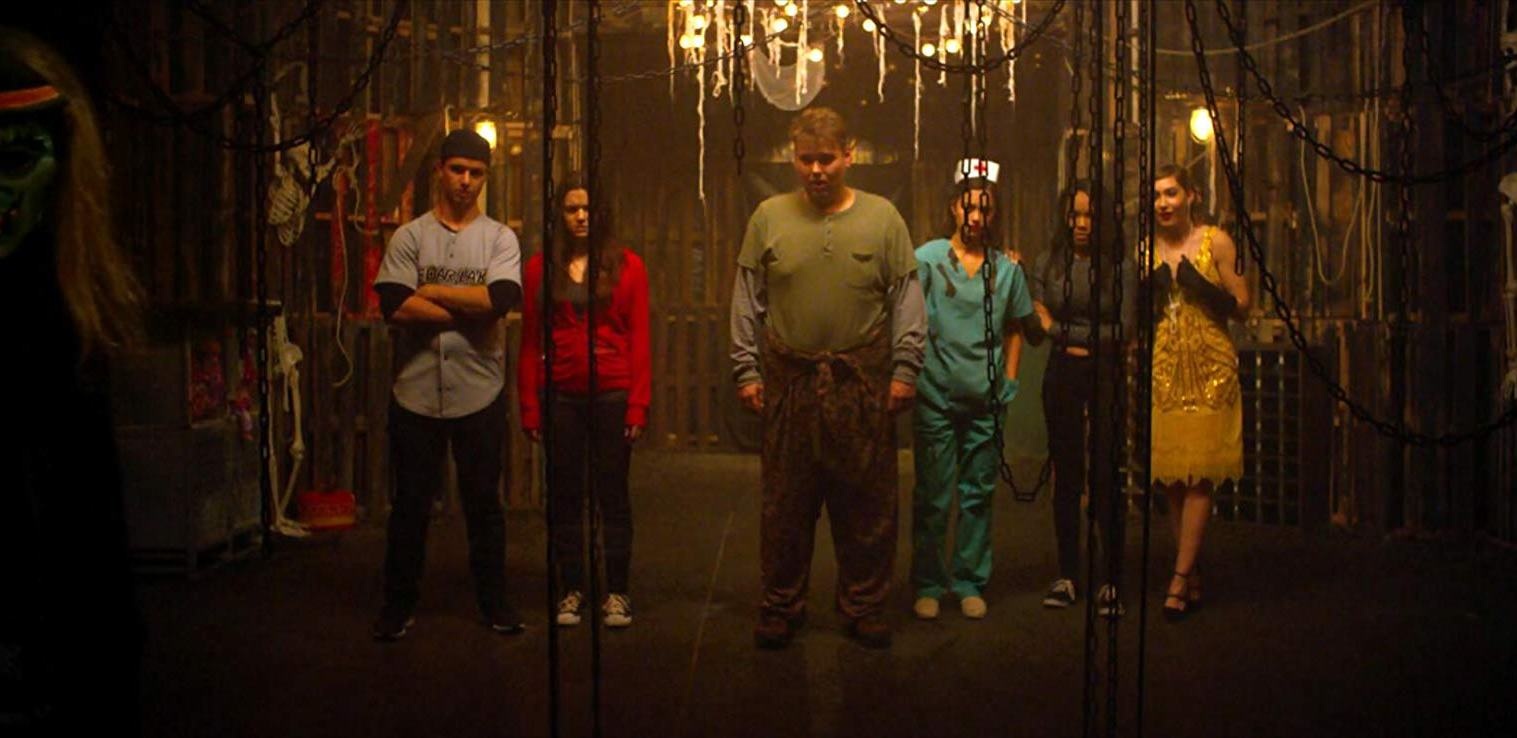 Will Brittain, Katie Stevens, Andrew Caldwell, Shazi Raja, Lauryn McClain and Schuyler Melford in Haunt (2019)