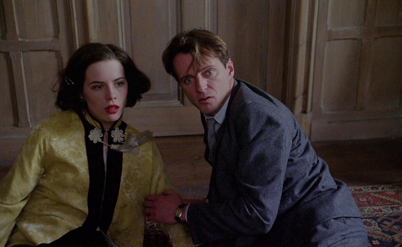 Kate Beckinsale and paranormal debunker Aidan Quinn face supernatural phenomena in Haunted (1995)