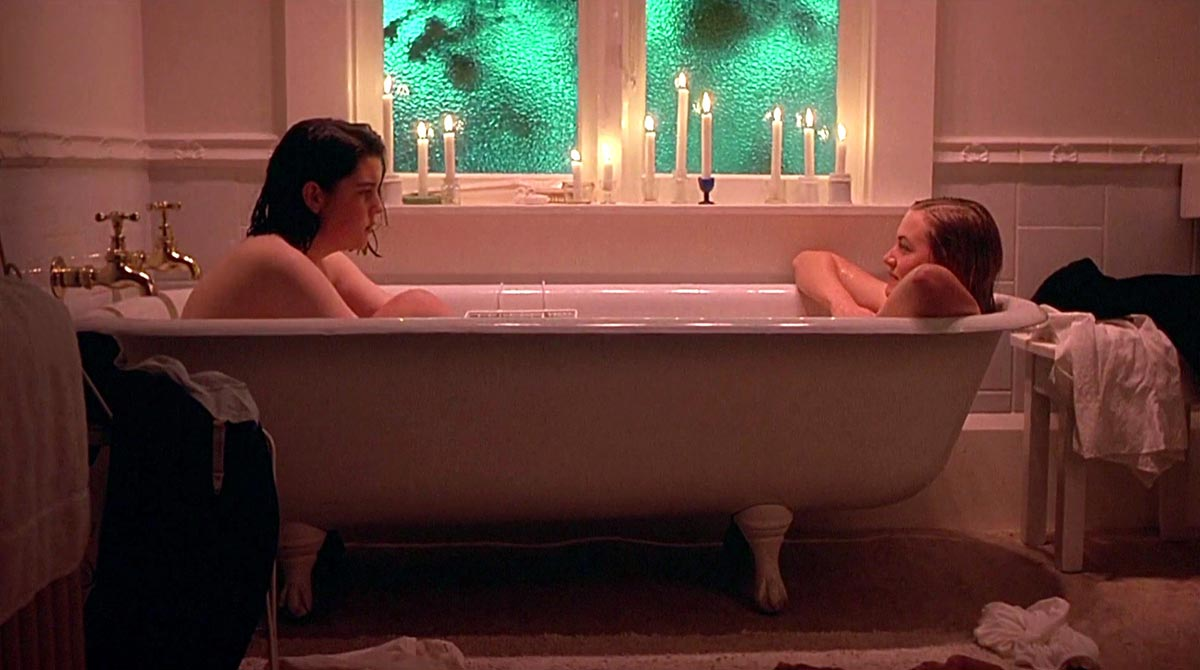 Melanie Lynskey and Kate Winslet take a bath in Heavenly Creatures (1994)