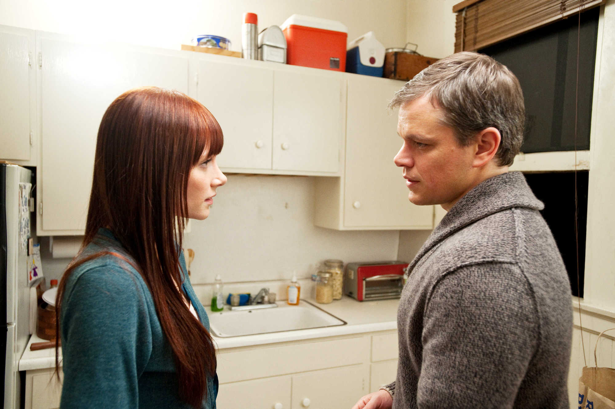 Medium Matt Damon connects with Bryce Dallas Howard in Hereafter (2010)