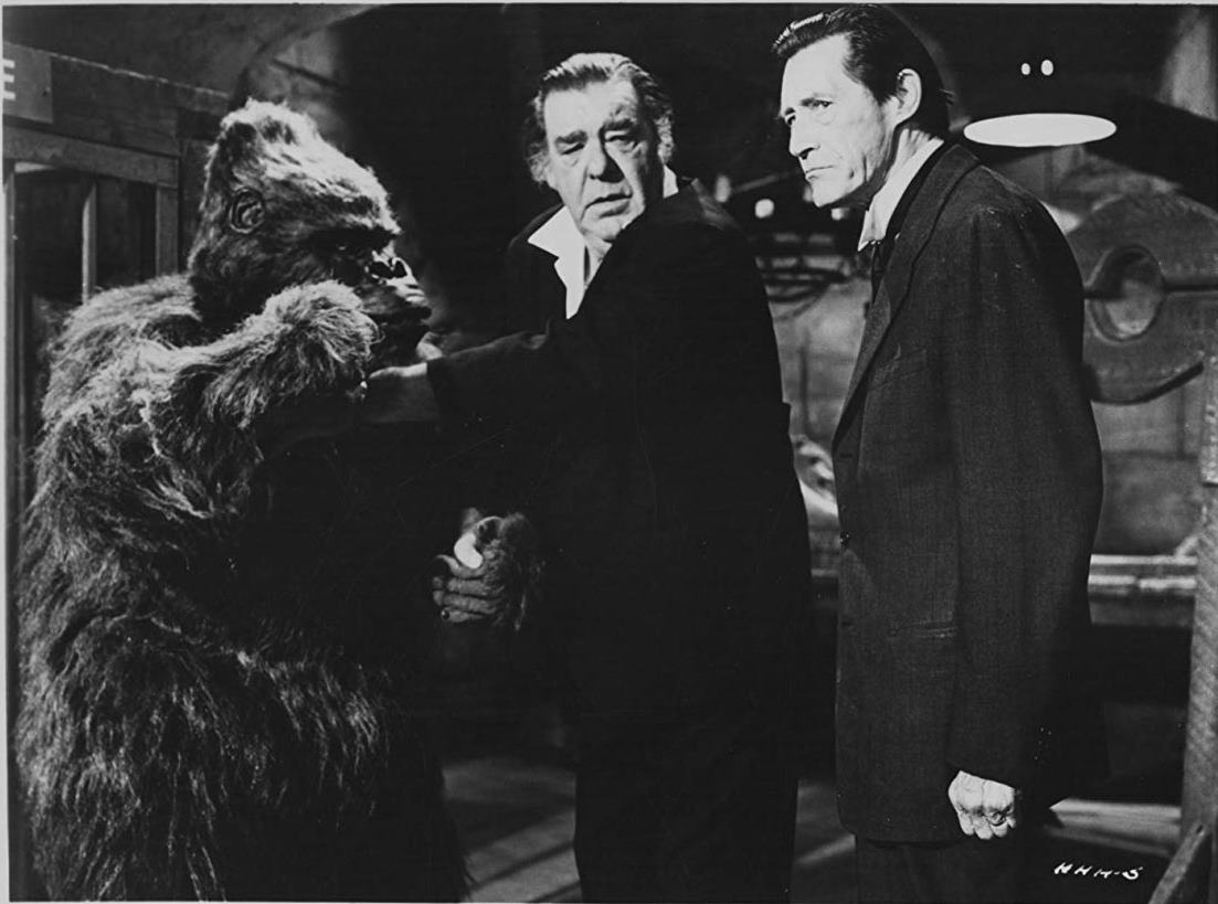 (l to r) Lon Chaney Jr and John Carradine along with ape in Hillbillys in a Haunted House (1967)