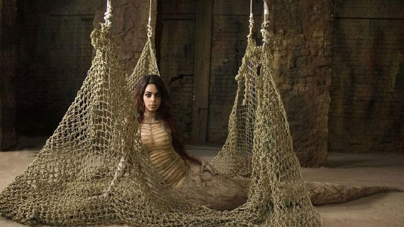 Mallika Sherawat as the snake goddess Nagin taken on human form in Hisss (2010)