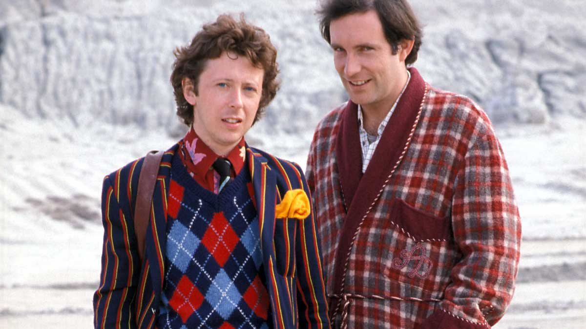 Ford Prefect (David Dixon) and Arthur Dent (Simon Jones) in The Hitch Hiker's Guide to the Galaxy (1981)