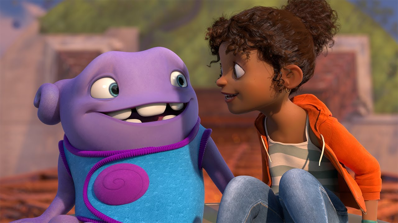 The alien visitor OH (voiced by Jim Parsons) and his human friend Tip (voiced by Rihanna) in Home (2015)