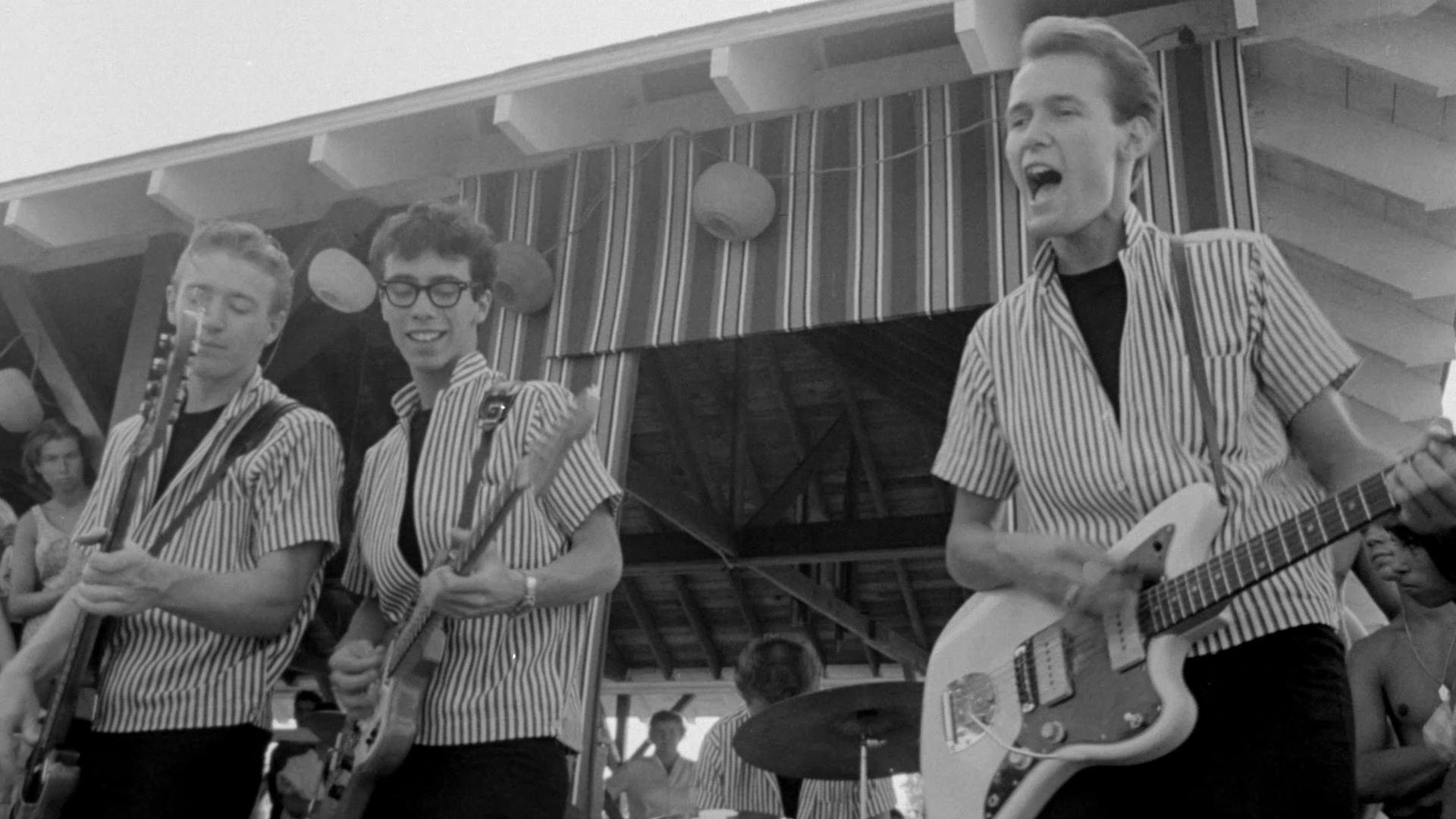 The entirely forgotten rock'n'roll band The Del-Aires in The Horror of Party Beach (1964)