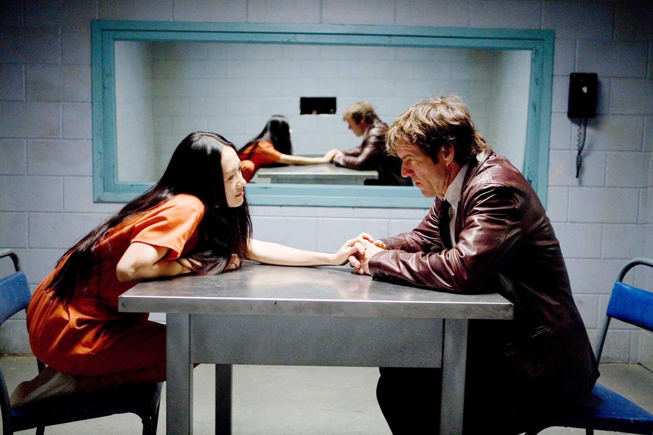 Dennis Quaid interrogates Zhang Ziyi in Horsemen (2009)
