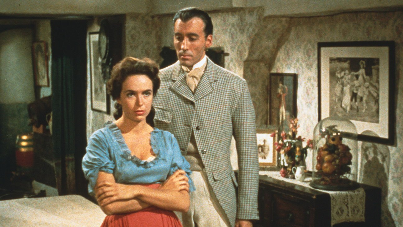 Sir Henry Baskerville (Christopher Lee) and Cecile Stapleton (Marla Landi) in The Hound of the Baskervilles (1959)